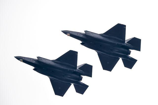 جنگنده F-35 با نام کامل F-35 Joint Strike Fighter هنوز هم از 13 نقص عمده رنج می برد، از جمله توپی که دچار ترکیدگی شده و مشکلاتی در زمینه دقت هدفگیری.