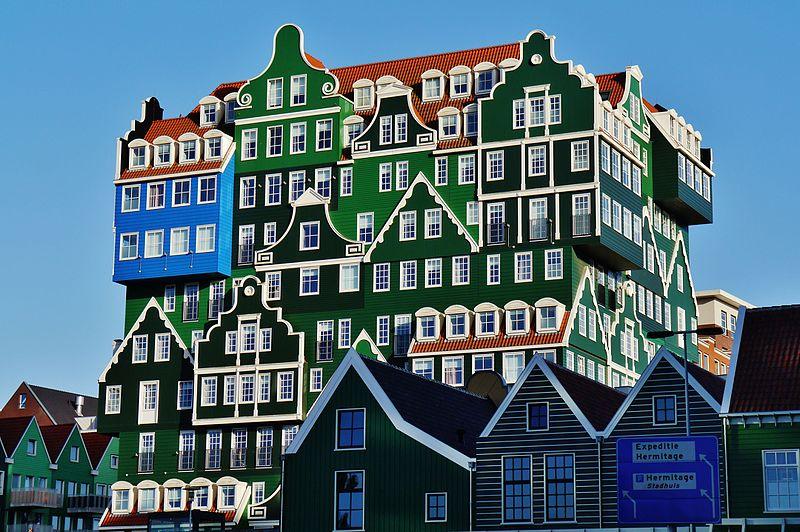 در ادامه شما را با 12 هتل عجیب و غریب و متفاوت در سراسر جهان که اقامتی فراموش نشدنی را برای شما رقم خواهند زد آشنا می کنیم.
