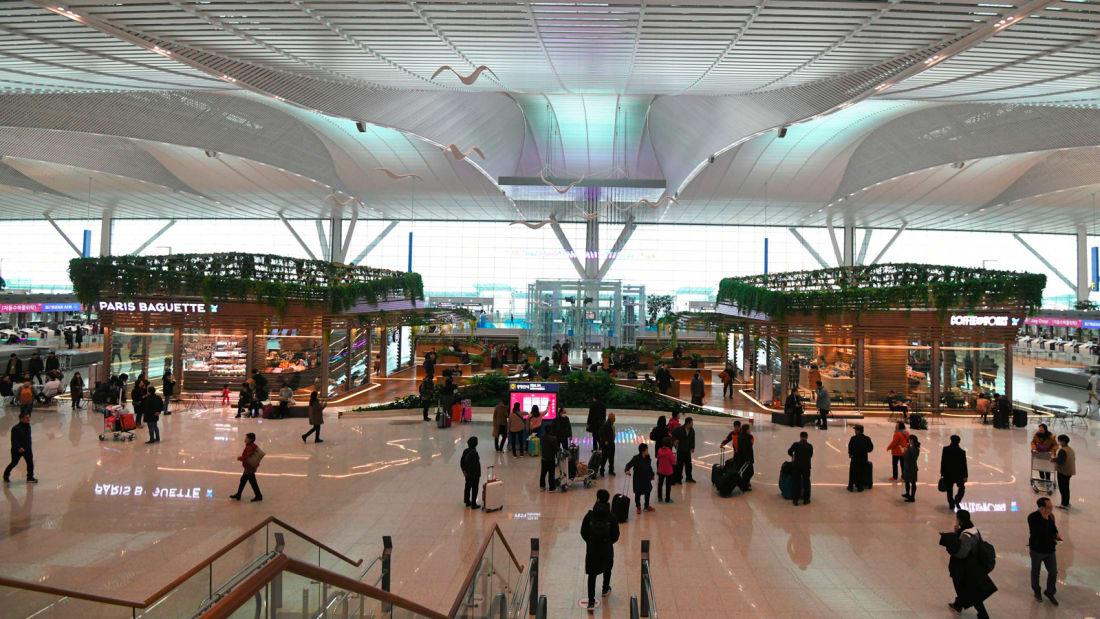 فرودگاه های آینده بسیار پیچیده تر اما کارآمدتر و خوشایندتر از گذشته خواهند بود که با استفاده از تکنولوژی های مدرن تجربه بهتری برای مسافران ایجاد خواهند کرد.