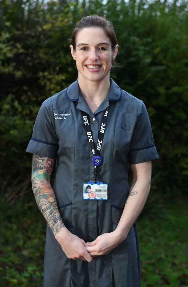 برایونی تایرل یک پرستار اهل ساوتهمپتون است که دو فرزند دارد و قهرمانی شناخته شده و حرفه ای در عرصه هنرهای رزمی ترکیبی است.