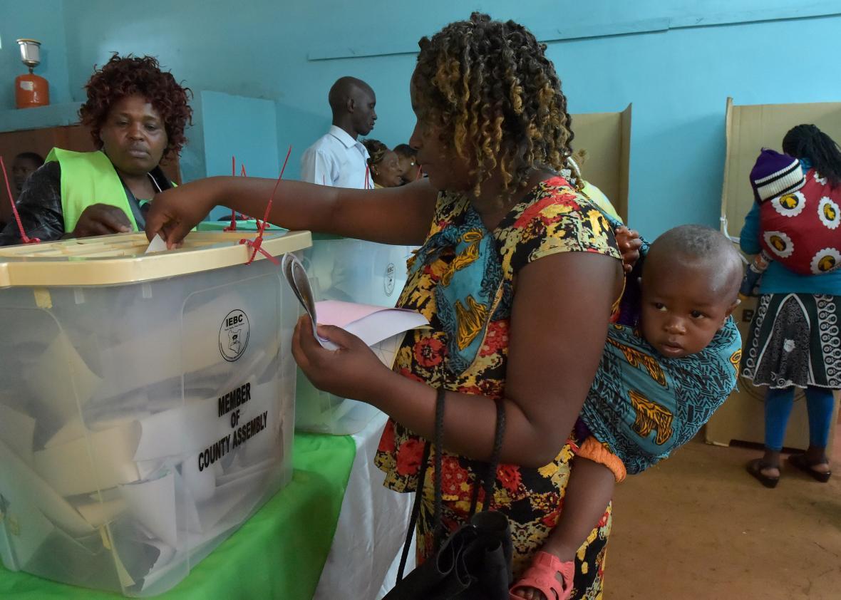 از آلمان نازی تا کشورهای آفریقایی در قرن بیست و یکم، در ادامه می خواهیم شما را با بحث برانگیزترین و پرتقلب ترین انتخابات عصر معاصر آشنا کنیم.