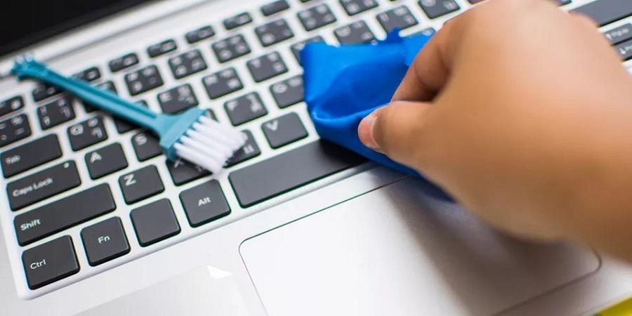 چگونه لپ تاپ خود را بدون آسیب زدن به آن تمیز کنیم؟