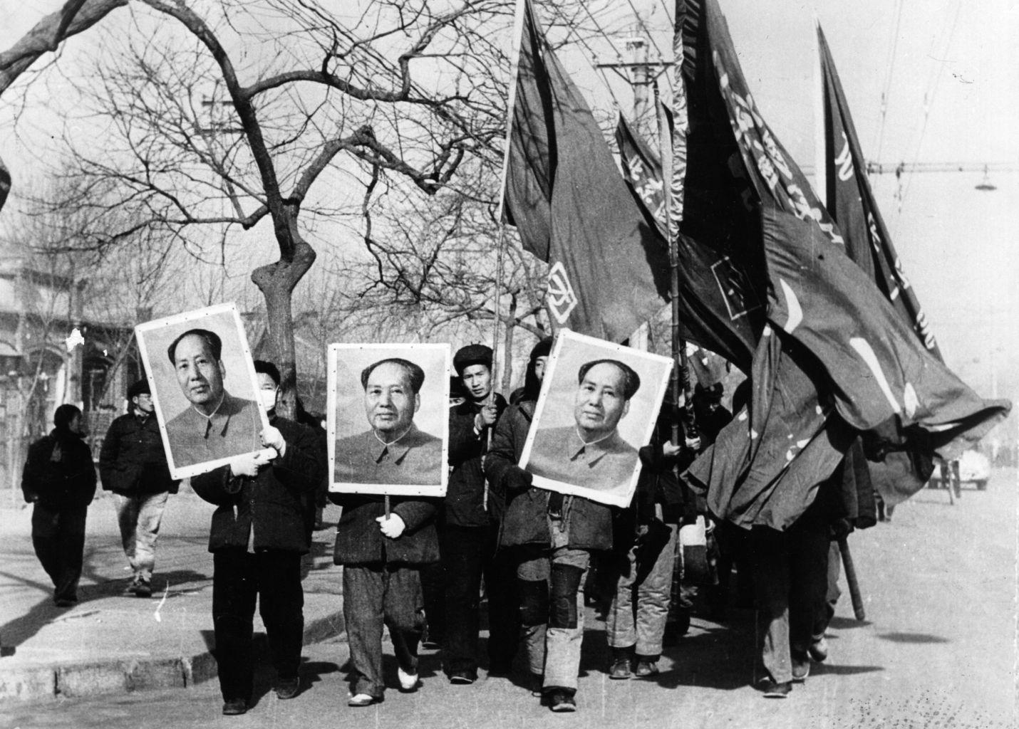 مائو زدونگ، انقلابی کمونیست و موسس جمهوری خلق چین مردی بود که یک «امپراطوری وسطایی» را به نسخه خاص خود از حکومت آینده تبدیل کرد.