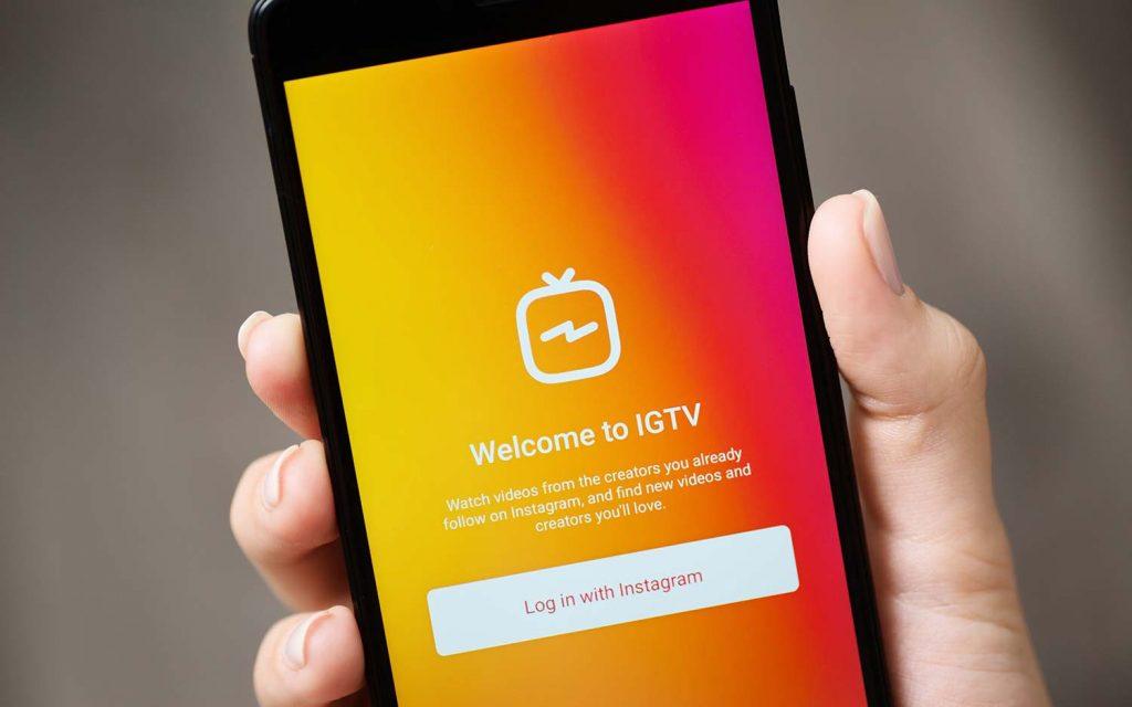 IGTV یک ویژگی نسبتاً جدید در اینستاگرام است که به کاربر اجازه می دهد ویدیوهایی بلندتر از یک دقیقه معمول را بارگذاری نماید.