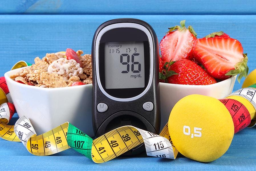 دیابت یک بیماری مزمن است که برای کنترل آن و تشخیص زودرس و درمان عوارض مرتبط با آن ، نیاز به استفاده از انواع خدمات بهداشتی است.