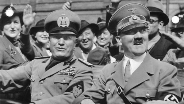 در نهایت هیتلر طی عملیاتی بزرگ به نام بارباروسا به خاک شوروی حمله کرد و بسیاری بر این باورند که اگر این حمله رخ نمی داد آلمان بازنده جنگ جهانی دوم نمی شد.