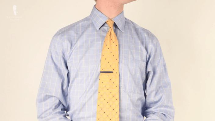 برای انتخاب پیراهن مردانه گزینه های بسیار زیادی وجود دارد و در حالی که این بدین معناست که هر مردی می تواند تعداد قابل توجهی پیراهن متناسب (فیت بودن) با اندام و استایل و البته نیاز خود انتخاب کند