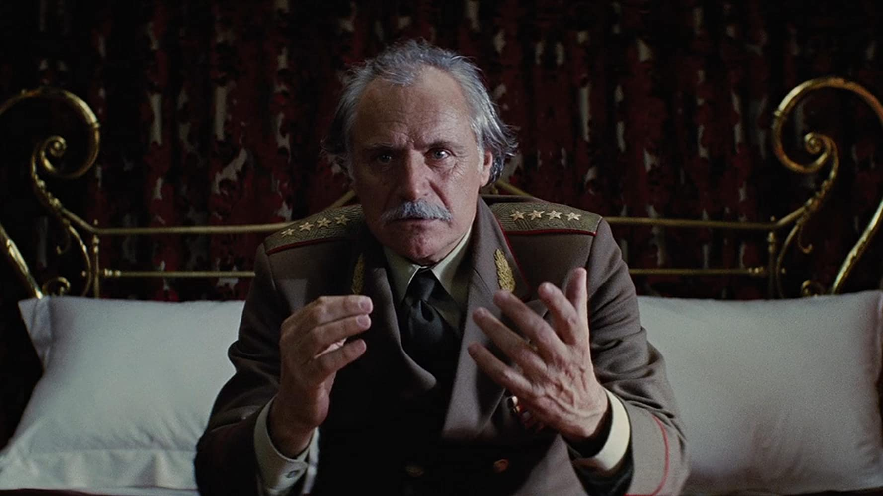 بدین بهانه در ادامه این مطلب قصد داریم شما را با 12 مورد از ترسناک ترین و بیرحمانه ترین انتقام های تاریخ سینما آشنا کنیم.
