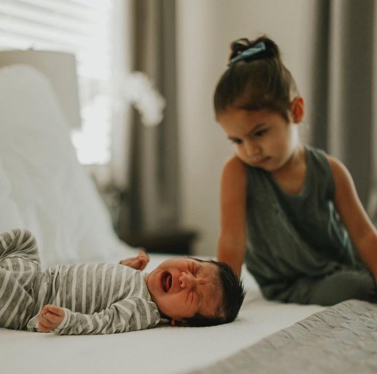 yiyulk چطور از حسادت فرزندان به یکدیگر کم کنیم ؟