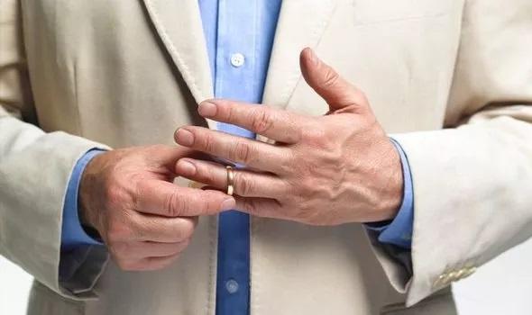 طول انگشت حلقه مردان ویروس کرونا
