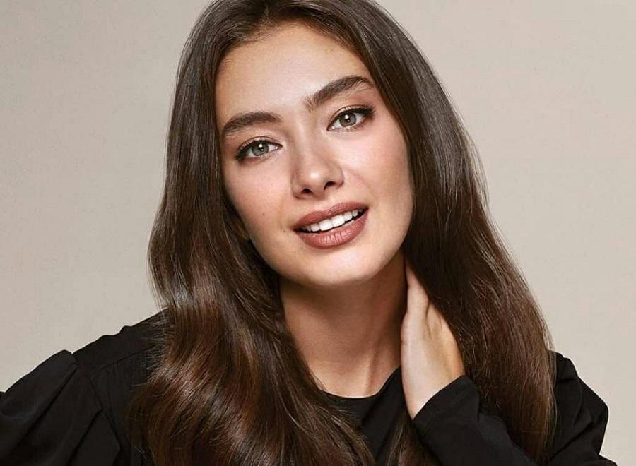 بیوگرافی نسلیهان آتاگول ؛ بازیگر نقش ناره چلبی در سریال ترکی دختر سفیر ، نیهان در اُکیا