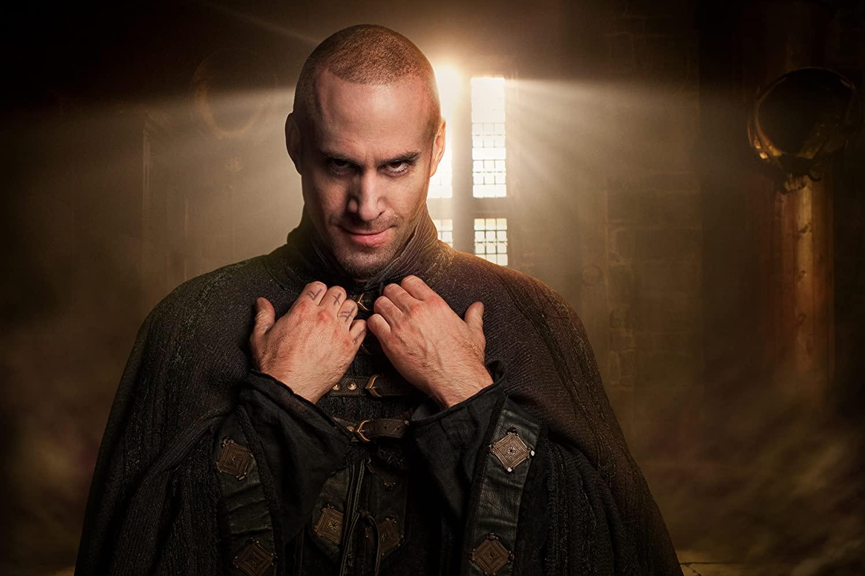 سریال بازی تاج و تخت (Game Of Thrones) سریالی تاریخی-فانتزی بود که از سریالی در آستانه کنسل شدن پیش از انتشار به یکی از بهترین های تاریخ تلویزیون تبدیل شد.