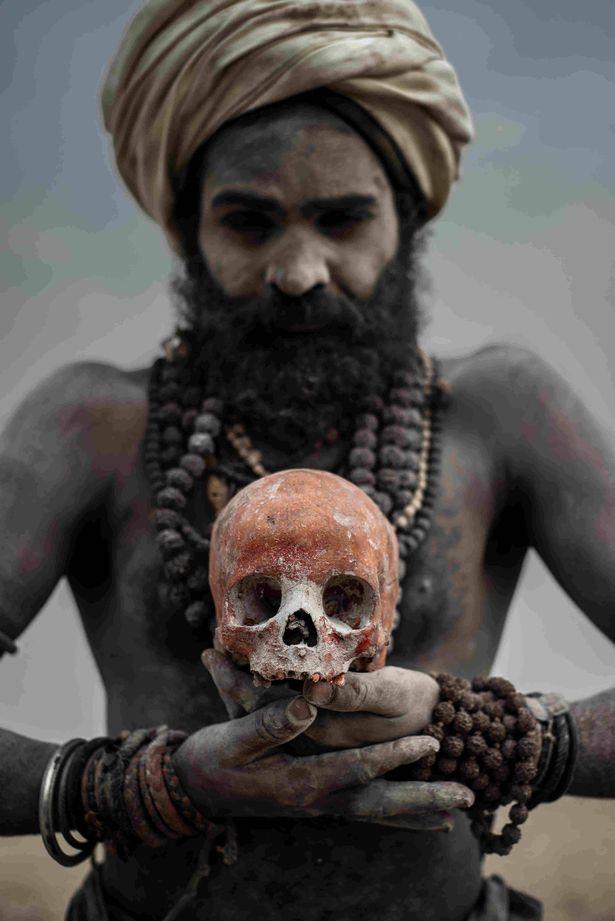 آگوری ها فرقه مذهبی آدمخوار در هند