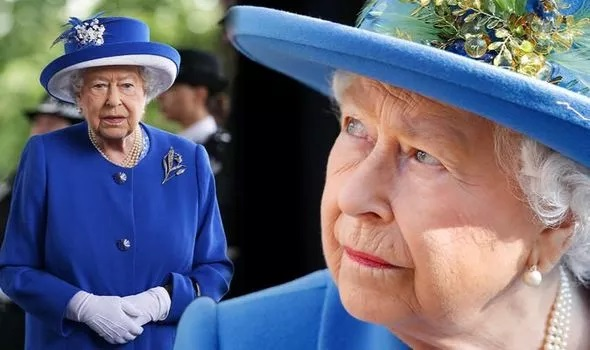 گردنبند مروارید ملکه انگلیس