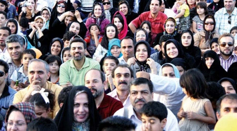 کاهش آی کیو ایرانی ها؛ نخبهها نه ازدواج میکنند نه بچهدار میشوند