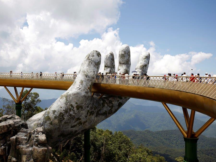 با شگفت انگیزترین و زیباترین پل های جهان آشنا شوید ؛ از پل های کابلی تا معلق شیشه ای