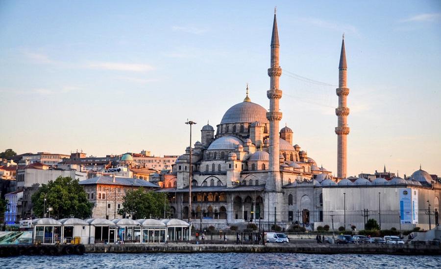 ۱۳۳ دلار هزینه یک پرس کباب و شنا در دریا برای گردشگران جدید ترکیه!