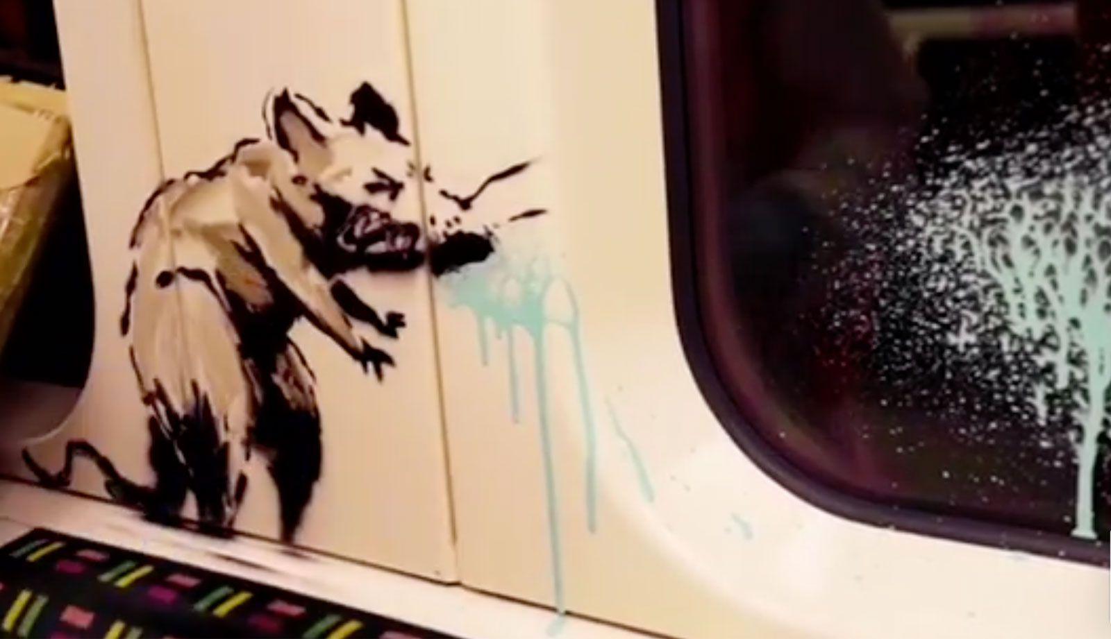هنرنمایی بنکسی در مترو لندن با الهام از شیوع کرونا