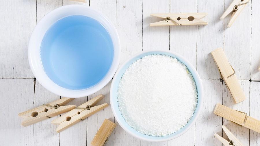 مایع لباسشویی یا پودر لباسشویی ؛ کدام یک برای شستن لباس در ماشین لباسشویی بهتر است؟