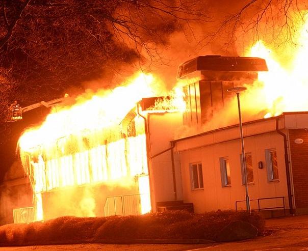 ۴ دانش آموز کرجی، مدرسه خود را به آتش کشیدند؛ داستان تلخ مافیای کنکور!