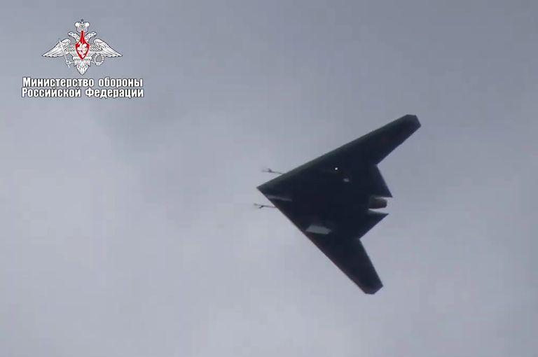هواپیمای بدون سرنشین S-70 Okhotnik