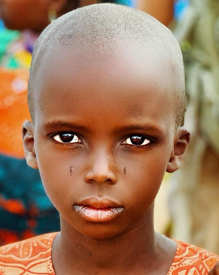 13 86afff5f0f96f8517f477ec810 روزیاتو: قومی آفریقایی که خود را زیباترین مردمان دنیا می دانند اخبار IT