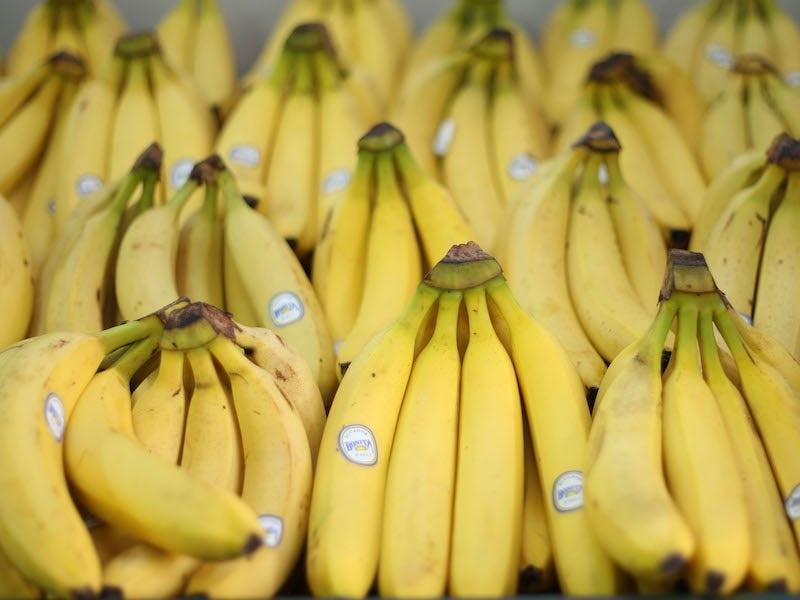 2 a7a1f9f46a288da098b4576 روزیاتو: میوه هایی که نمی دانستید پوست شان هم خوردنی است اخبار IT