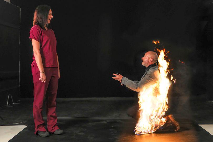 خواستگاری مرد بدلکار در آتش