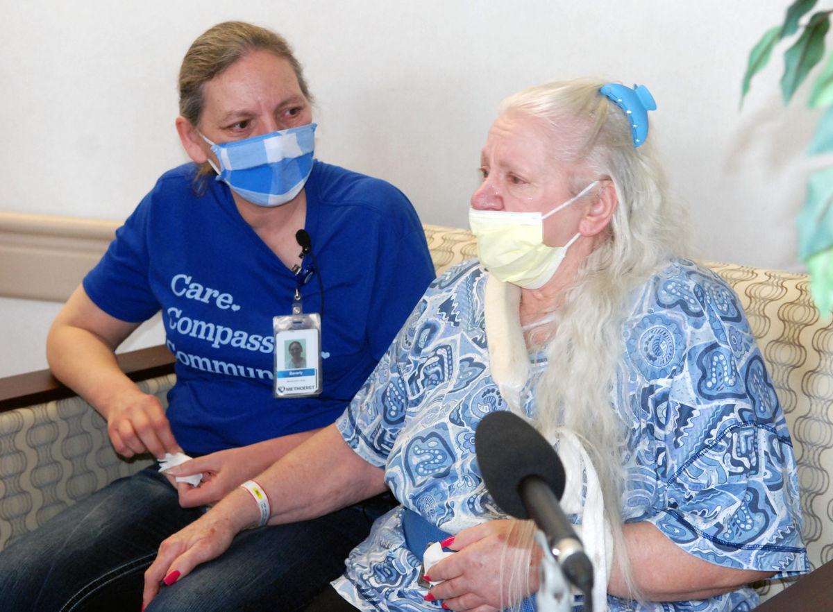 دیدار دو خواهر پس از 50 سال به خاطر کرونا