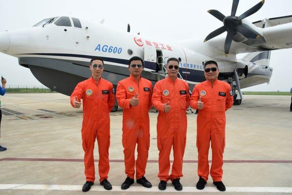 قایق پرنده AG600 Kunlong؛ بزرگ ترین هواپیمای شناور جهان
