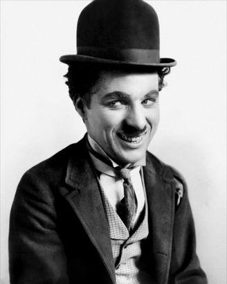 Charlie Chaplin روزیاتو: با چپ دست های معروف دنیا آشنا شوید اخبار IT