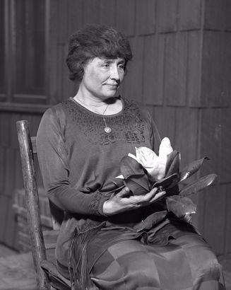 Helen Keller روزیاتو: با چپ دست های معروف دنیا آشنا شوید اخبار IT
