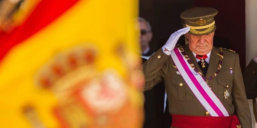 خروج پادشاه سابق اسپانیا از کشورش به دنبال مطرح شدن نامش در یک فساد مالی