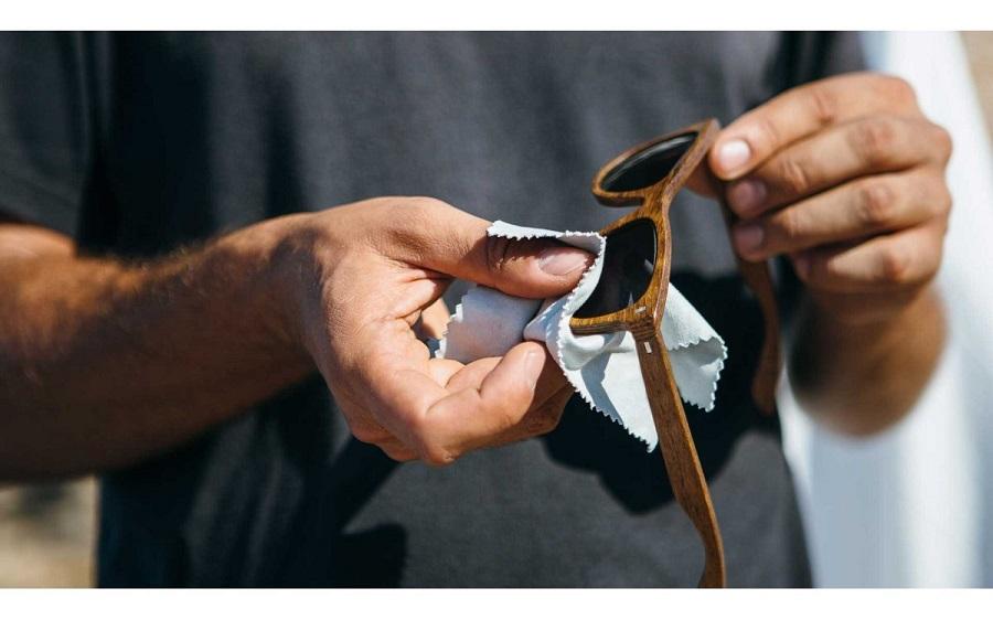 ترفند : چگونه خراش یا خط و خش عینک آفتابی را برطرف کنیم؟