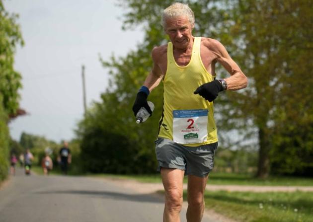 هشتصدمین ماراتن اندی ویلموت 76 ساله