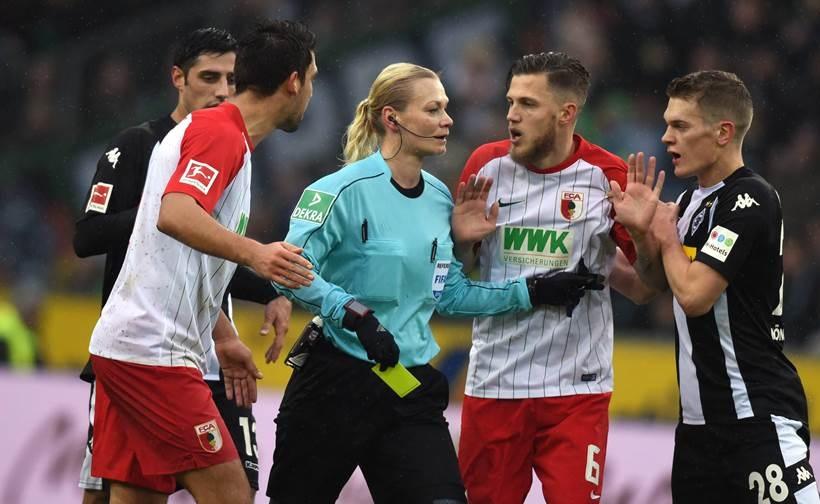 «بیبیانا اشتاین هاوس»، داور سانسوری رقابت های فوتبال آلمان