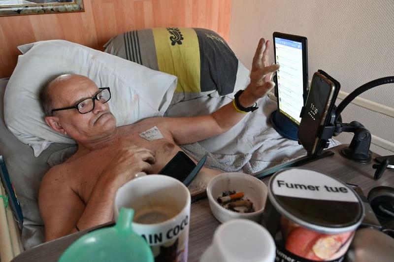بیمار لاعلاج فرانسوی که میخواهد ساعات پایانی زندگیاش را زنده در فیسبوک پخش کند