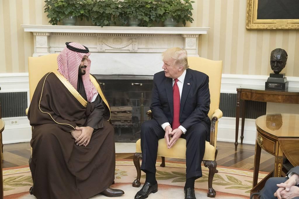 به ادعای گاردین ممکن است عربستان سعودی ذخایر قابل استخراج سنگ اورانیوم کافی برای تهیه سوخت و سلاح های هسته ای در اختیار داشته باشد.