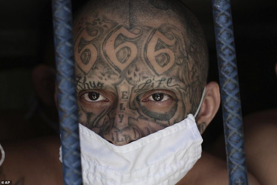 سیاست سختگیرانه السالوادور نسبت به دار و دسته های خلافکار در زندان های فوق امنیتی این کشور