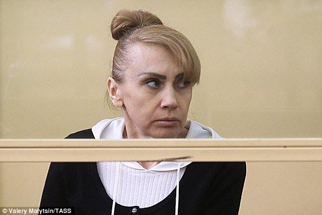 بدنام ترین زن گانگستر روسیه و مادرخوانده مافیا در شهر روستوف و حلقه جنایتکار اطراف او با ده ها اتهام قتل جدید مواجه شده اند.