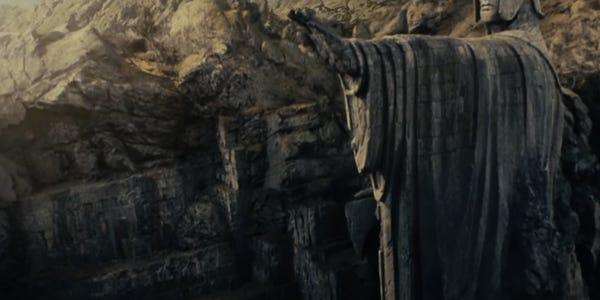 سال پیش بود که شاهکار فانتزی جی آر آر تولکین با نام ارباب حلقه ها (The Lord of the Rings) دستمایه آغاز فرانچایزی نمادین در تاریخ سینما شد.