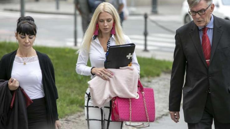 زن جوان اسلوونیایی برای دریافت بیمه 1 میلیون یورویی دست خود را با اره قطع کرد