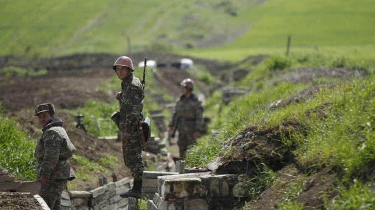 در روزهای اخیر درگیری مرزی بین دو کشور ارمنستان و آذربایجان در منطقه ناگورنو- قره باغ شدت گرفته و بیم یک جنگ تمام عیار بین دو کشور می رود.
