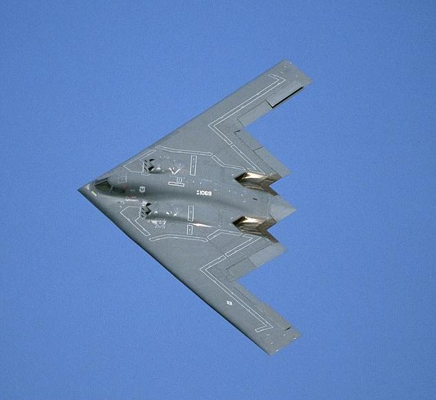 رکورد طولانی ترین پرواز بی وقفه با بمب افکن های استراتژیک