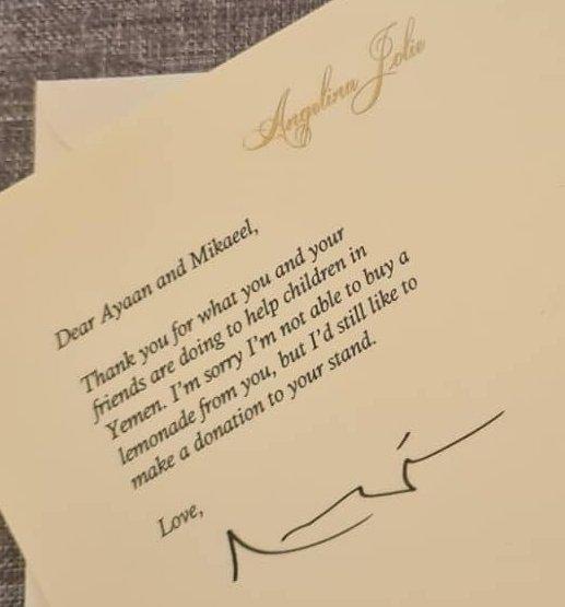 کمک 76,000 دلاری آنجینا جولی به دکه لیموناد فروشی خیرخواهانه پسربچههای لندنی