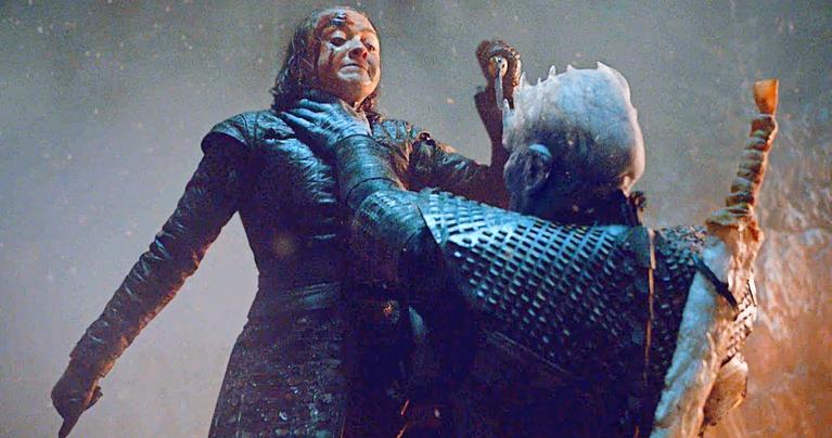 کشته شدن پادشاه شب توسط آریا استارک در بازی تاج و تخت