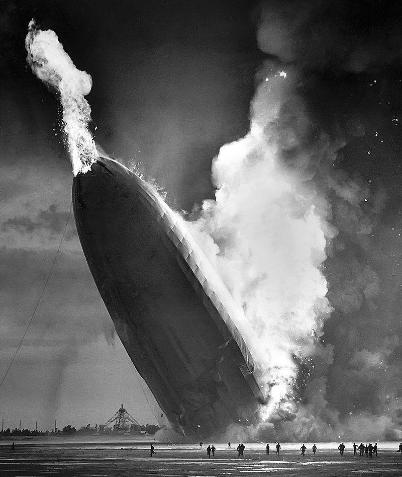 تصاویر رنگی تازه منتشر شده از سانحه هیندنبورگ منتشر شده است، 83 سال پس از اینکه بالن مشهور آلمانی در میانه آسمان نزدیک نیوجرسی منفجر شده و جان 63 نفر را گرفت.