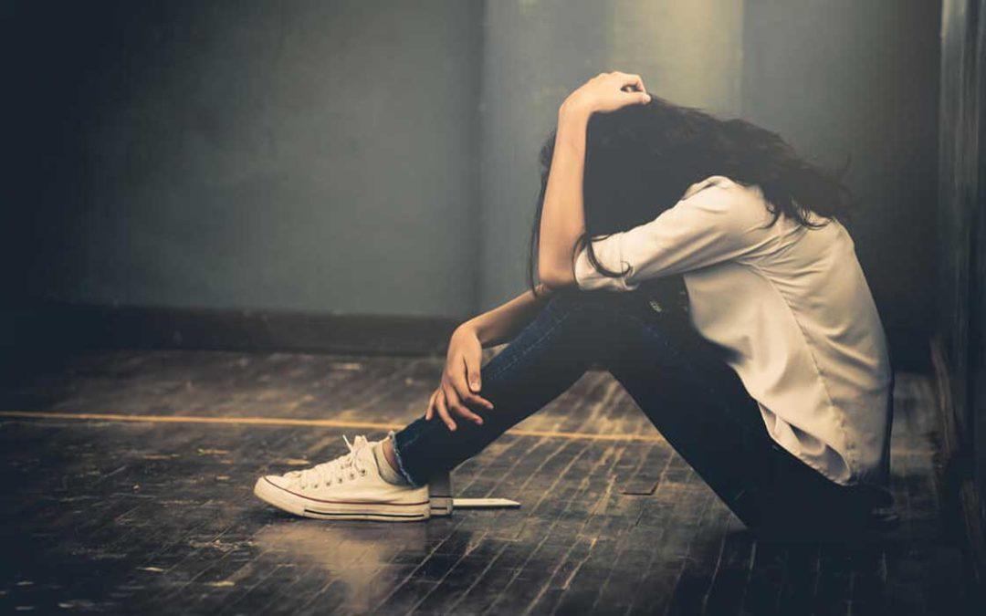 چطور با کسی که می خواهد خودکشی کند صحبت کنیم؟