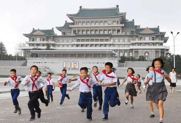کودکان پیش دبستانی در کره شمالی باید روزی 90 دقیقه در مورد کیم جونگ اون بیاموزند