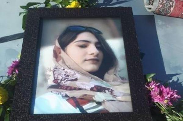 خودکشی دانشآموز ۱۳ ساله ارومیه : «پرستو جلیلی آذر» در سریال خودکشیهای ۹۹